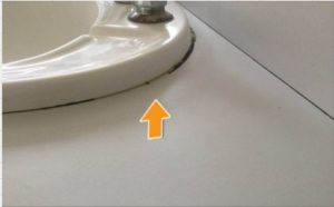 Basin not correctly sealed to the bench top